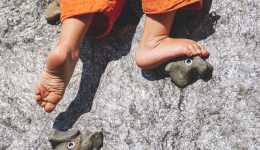 bare-feet-child-climb-1271816